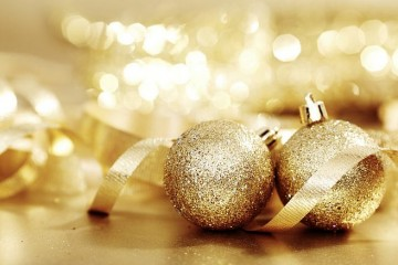 Gold_Christmas_Balls_and_ribbon