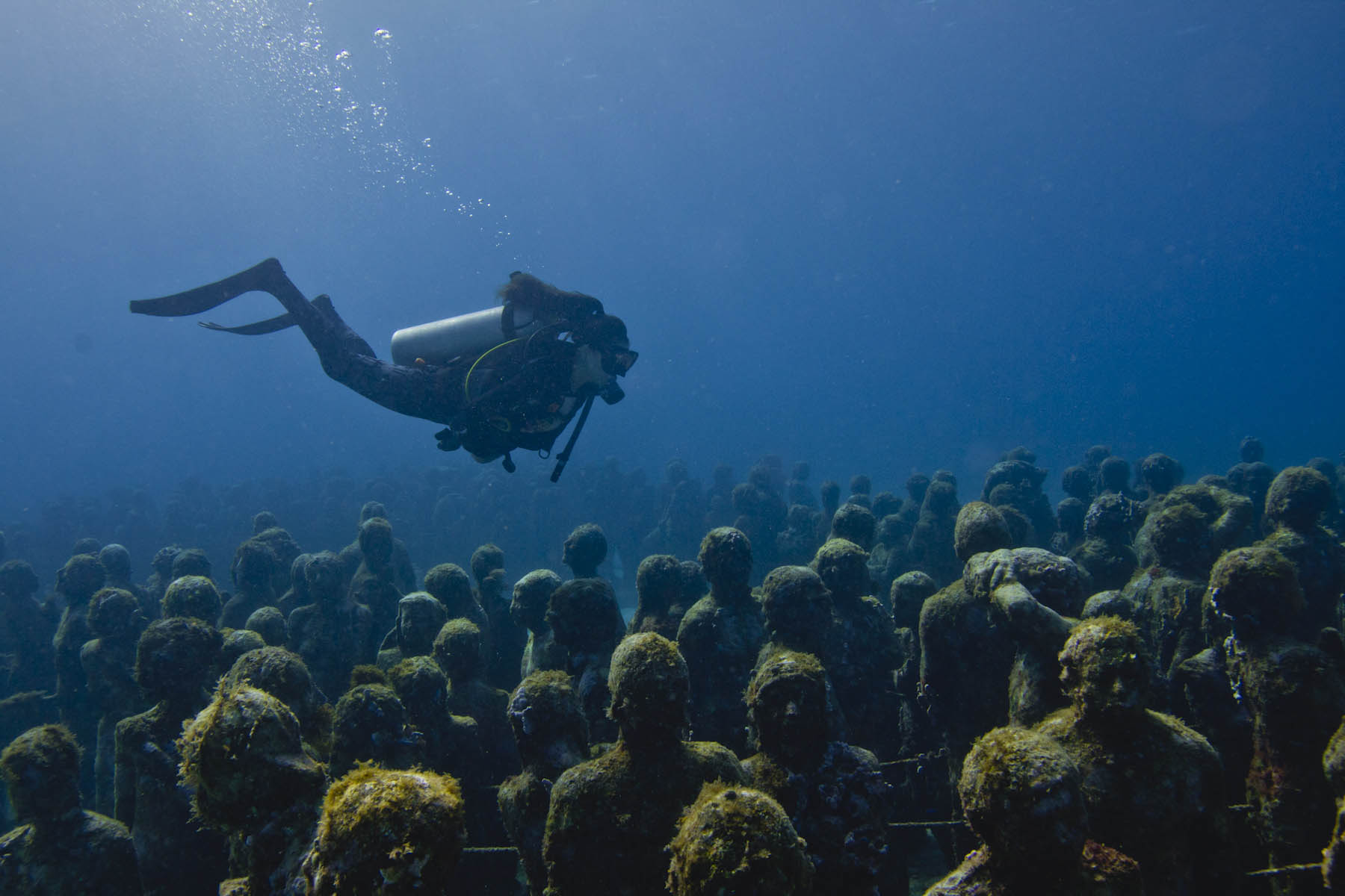 Silent-Evolution-Jason-DeCaires-Taylor-underwater-sculpture